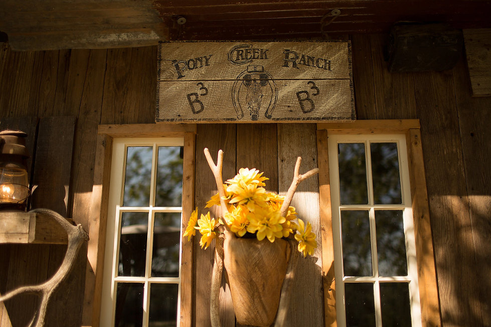 Pony_Creek_Ranch_Wedding_Photo_0002