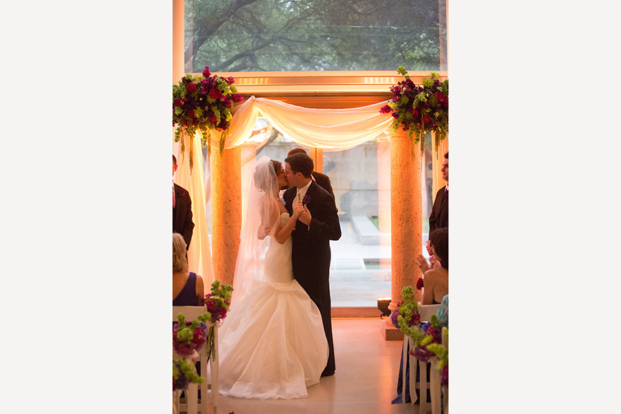 Dallas Museum Of Art Wedding Photos 12