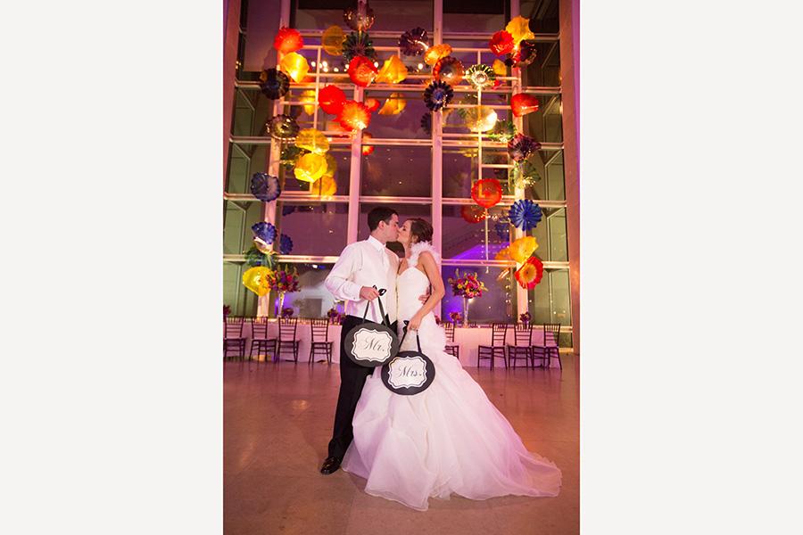 Dallas Museum Of Art Wedding Photos 29