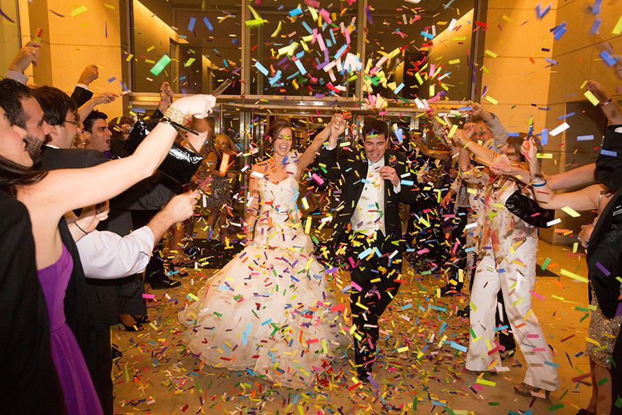 Dallas Museum Of Art Wedding Photos 30
